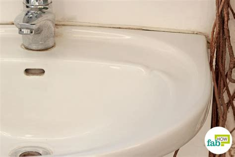 how to clean white porcelain kitchen sink how to clean a white porcelain sink and restore its shine 9363