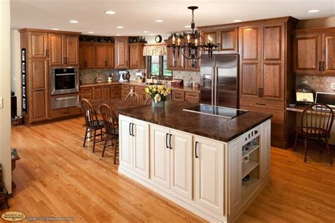 kitchen island maple showplacewood door style chesapeake species 1948