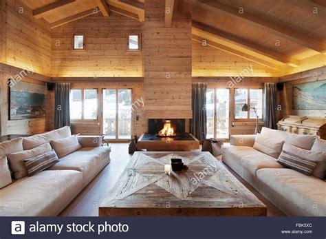 Bescheiden Wohnzimmer Esszimmer Holz Und Weis Gestalten Wohnzimmer Holz Bescheiden Wohnzimmer Esszimmer