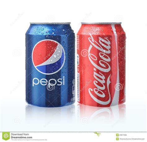 si e coca cola latte della pepsi cola e della coca cola immagine