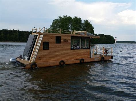 Catamaran Houseboat by Only Best 25 Ideas About Pontoon Houseboat On
