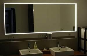 Spiegel Mit Integrierter Beleuchtung : spiegelbeleuchtung im badezimmer 45 inspirierende beispiele ~ Markanthonyermac.com Haus und Dekorationen