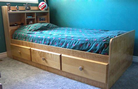 woodworking project paper plan  build  mates twin bed