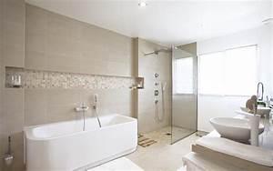 Salle De Bain Etroite : salle de bain avec double vasques et baignoire blanches douche l 39 italienne salle de bain ~ Melissatoandfro.com Idées de Décoration