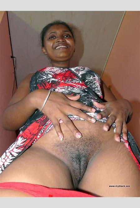 Black Amateurs Naked - Hairy pussy ebony MILF opens her asshole