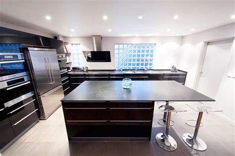 cuisine avec frigo americain integre davaus cuisine blanche frigo noir avec des idées