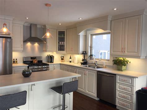 antique white thermofoil kitchen signature kitchens