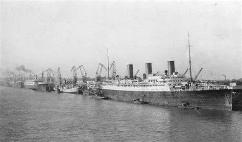 estuaire de la gironde navires dans le port autonome de bordeaux