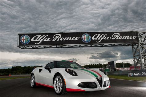 alfa romeo  safety car review top speed