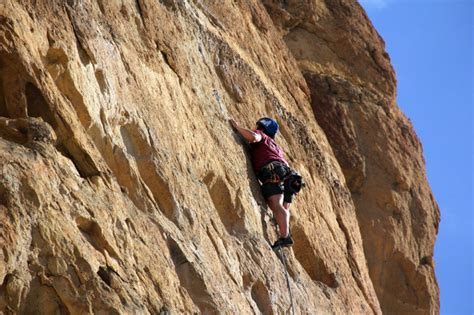 Smith Rock Climbing Experts Help Jittery Novices The