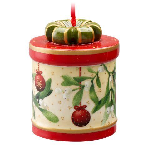 v b fantasy christmas gift box ornament round
