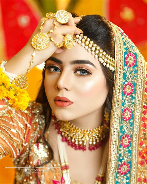 famous tik toker areeka haq latest bridal photo shoot