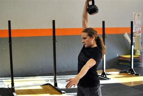swing kettlebell american critique breakingmuscle wrong why fitness play qui swings