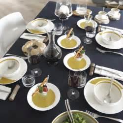 Assiette Creuse Design : assiette creuse couleur jaune moutarde vaisselle design et tendance ~ Teatrodelosmanantiales.com Idées de Décoration