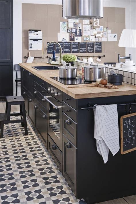 ikea deco cuisine 17 meilleures idées à propos de cuisines noires sur