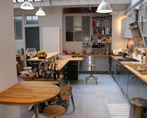 cuisine inox bois 710014 cuisine moderne cuisine inox et bois jpg 550 440