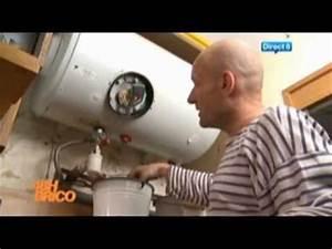 Purger Ballon D Eau Chaude : plomberie 39 39 changement d 39 un ballon d 39 eau chaude 39 39 48h brico sur direct 8 youtube ~ Medecine-chirurgie-esthetiques.com Avis de Voitures