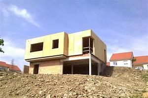 maison bois adaptee a son terrain en pente With maison terrain en pente
