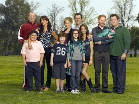 modern family modern family modern family photo 7554980 fanpop