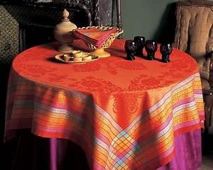 Nappe Jacquard Français : 10 tables aux couleurs de l 39 automne nappe volga de ~ Teatrodelosmanantiales.com Idées de Décoration