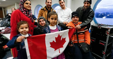 canadians learn arabic  give syrian refugees  warm