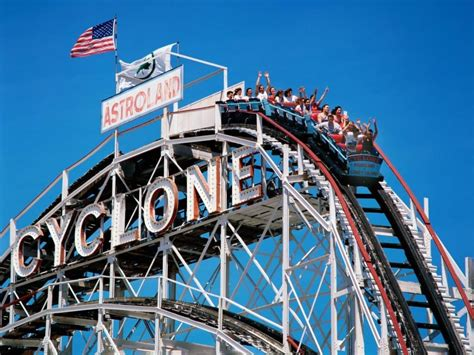 cyclone roller coaster leaves passengers stranded  coney