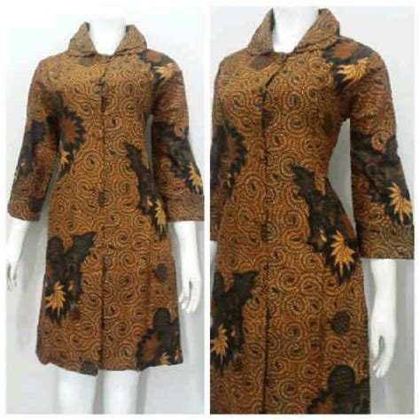 model baju batik wanita menggunakan bahan katun nyaman