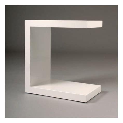 table de chevet minimaliste et design en laque blanche tr 232 s graphique maison