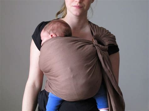 porter  nourrisson en sling ling ling damour le blog