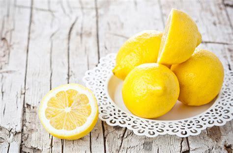 à quoi sert le bicarbonate de soude en cuisine ménage 10 alternatives aux produits chimiques darty vous