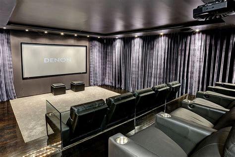 Casa Cinema by Harmon 237 A Minimalista Y M 225 Ximo Confort En Este Lujoso Cine