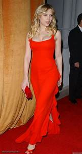 Scarlett Johansson, Valentino -- 2006 Golden Globe Awards ...