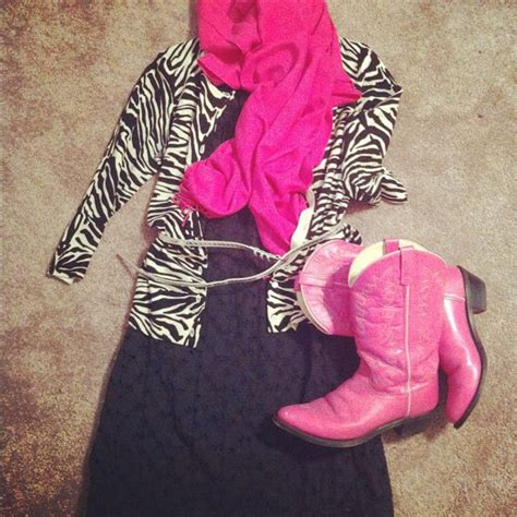 My Attempt at Fashion Dresses + [Pink] Cowboy Boots