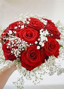 A beautiful bouquet of Red Roses and Gypsophila. | Fresh ...