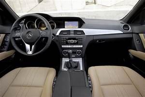 Mercedes Classe C 2010 : mercedes benz classe c 2011 aspetto pi incisivo e consumi ridotti ~ Gottalentnigeria.com Avis de Voitures