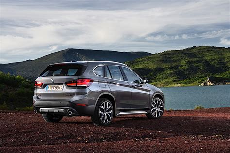 Bmw X1 2020 by 2020 Bmw X1 Breaks Cover With Larger Grille And The