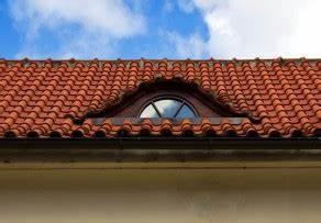 Bett Streichen Welche Farbe : dach berstand streichen welche farbe ist die richtige ~ Markanthonyermac.com Haus und Dekorationen