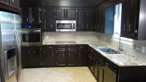 kitchen backsplash ideas for light wood cabinets light colored tile backsplash ideas with cabinets