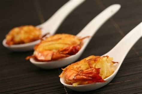 evjf cours de cuisine recette de gambas croustillantes en robe de pomme de terre facile et rapide