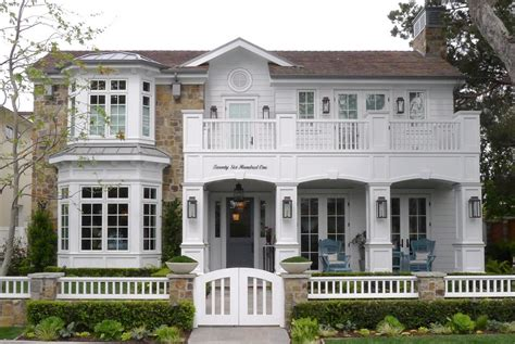 retro style house vintage low country house