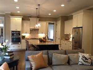Surprisingly Open Concept Living Room by Reformar La Cocina Unificando Espacios