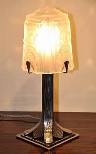 Lampe Art Deco : lampe muller art deco ~ Teatrodelosmanantiales.com Idées de Décoration