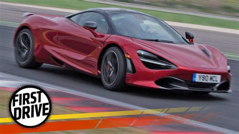 The Mclaren 720s Is A Cosmically Fast Supercar That