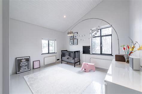 Scandinavian-white-gray-interior-kids-room