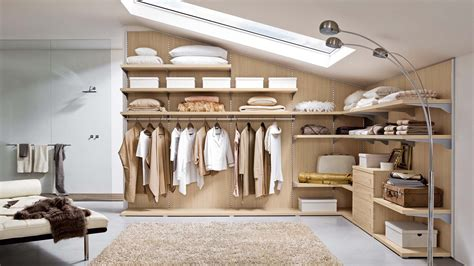 armadio mansarda ikea 6 modi per organizzare il guardaroba in mansarda mansarda it