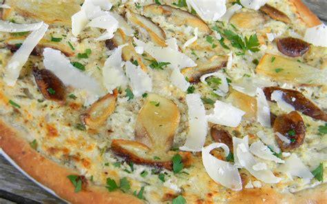 cuisiner cepes frais pizza aux cèpes saveurs le spécialiste du chignon frais et cultivé à rungis