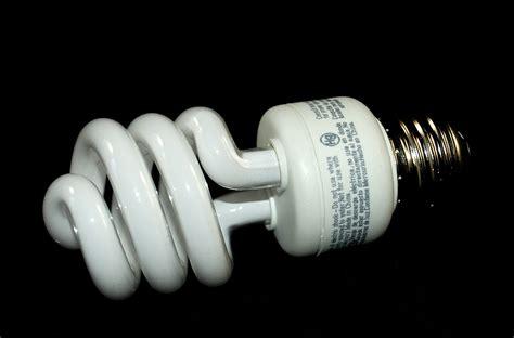 light bulbs that don t give off heat fluorescent light heat light