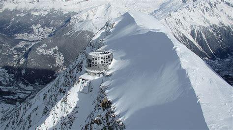 refuge du gouter refuge du gouter self sufficient mountain hut by groupe h