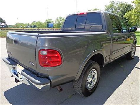find   ford   lariat supercrew  pickup