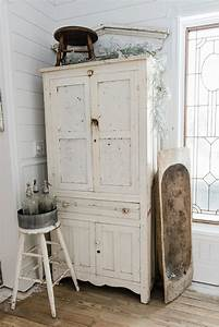 25 best ideas about farmhouse dining rooms on pinterest for What kind of paint to use on kitchen cabinets for rustic unity candle holder